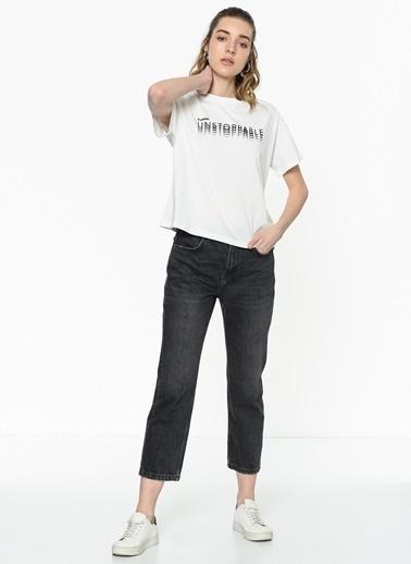 Hummel Kadın Tişört Likha 910665-9003 Beyaz